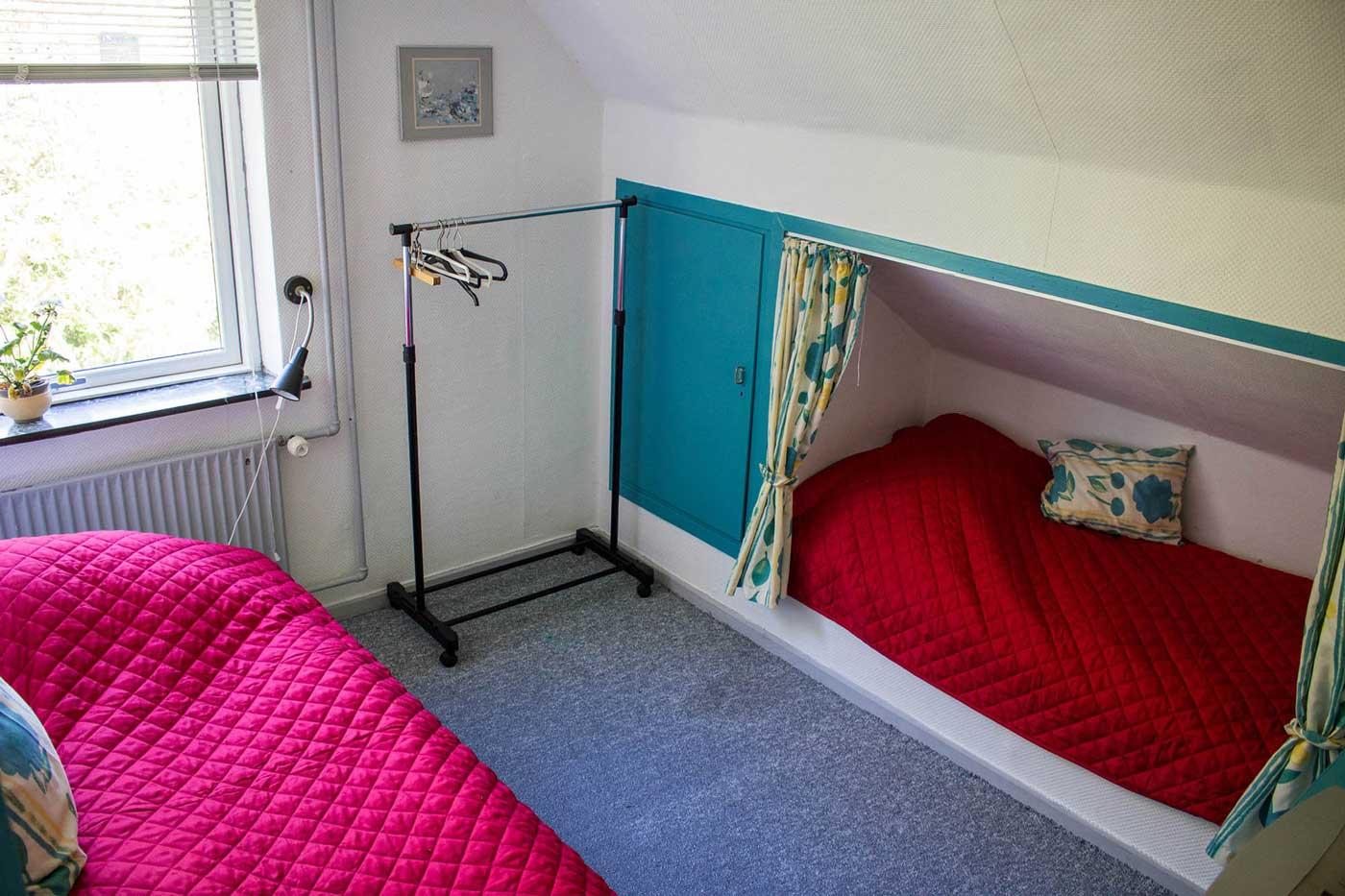 Soveværelse på 1. sal med to enkeltsenge